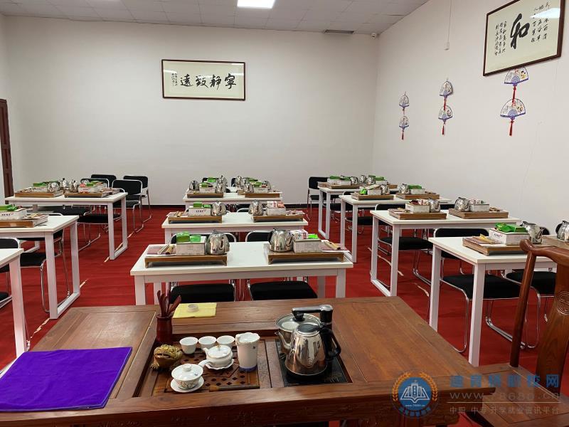 湖南中南工贸技工学校茶艺室