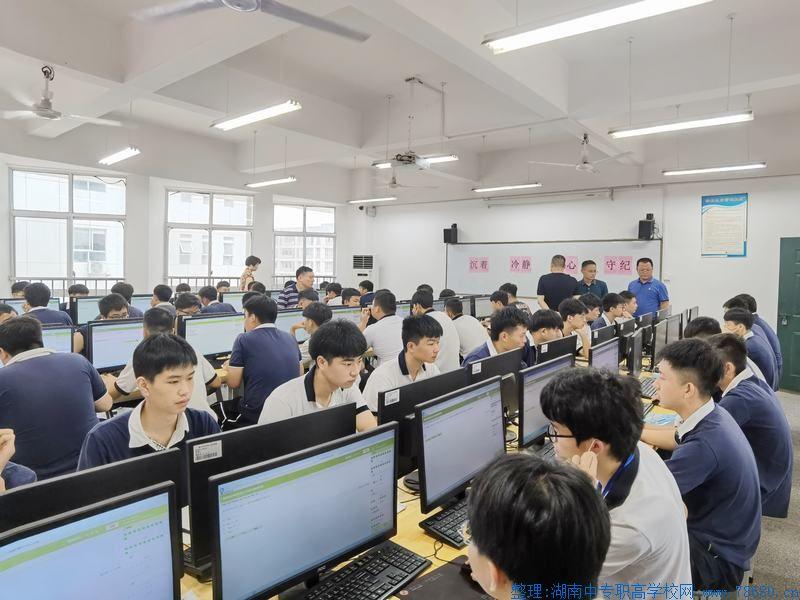长沙汽车工业学校:顺利完成2020年全省中等职业学校公共基础课普遍测试工作